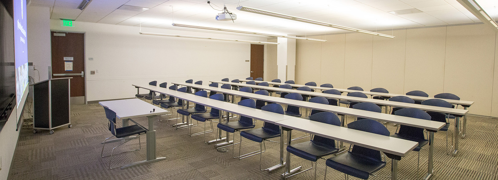 A medium capacity room at the SF State Downtown Campus